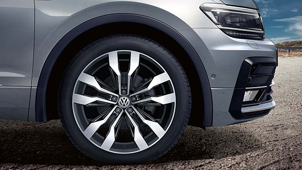 They're sure to turn heads. To complete the sharp look, there is a variety of stylish alloy wheels across the range. Amongst those available: 18-inch Kingston (Comfortline), 19-inch Victoria Falls (Highline), and the striking 20-inch Suzuka alloys available as part of the R-Line package.