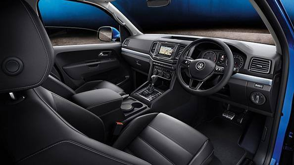 A dash of class. The Amarok V6 looks every bit as good inside as it does out. Spacious, sophisticated and comfortable, it features a completely redesigned dash panel with sharp trim, an A4 format storage compartment and a cutting-edge infotainment system.