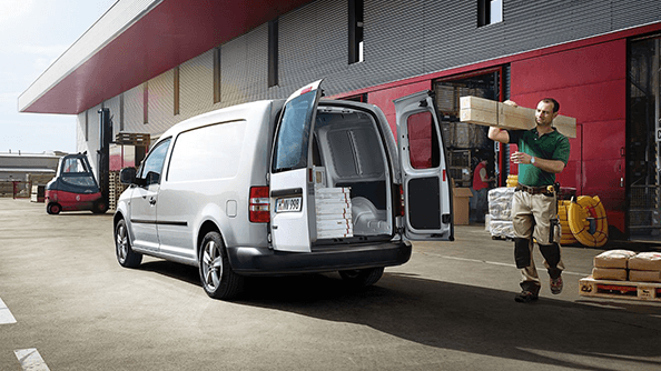 Hop in, hop out. Load, unload. The doors of a commercial vehicle are opened and closed repeatedly over the course of a working day – and heavily strained in the process. That is why the new Caddy is built with hinges, rails and handles that are equal to the most demanding conditions. The low front cabin entry position (built on a Golf platform) and loading sill height allow for easy access for both driver and equipment, while the rear tailgate is equipped with a soft touch open and close function for additional comfort.
