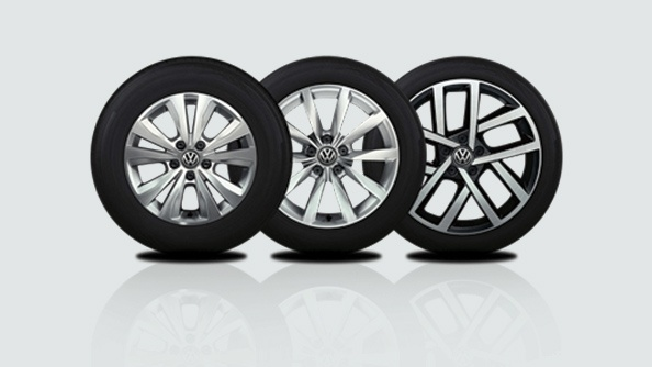 Roll in style. To complete the iconic Golf look, there are a selection of stylish alloys available. Starting from 16 inch Toronto alloys on the Comfortline, 17 inch Dijon alloys or optional 18 inch Jurva alloys on the Highline.