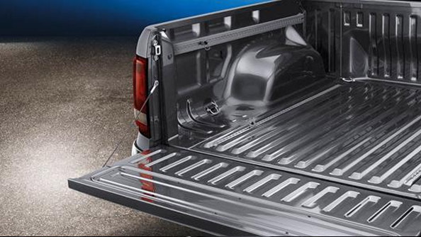 Pickup a pallet With the widest tray in its class, the Amarok V6 offers more space between the wheel housing for tools, furniture, luggage and yes, pallets. And with a massive 3.5 tonne towing capacity and a payload of up to 1010kg, depending on Amarok V6 model, virtually everything is possible.