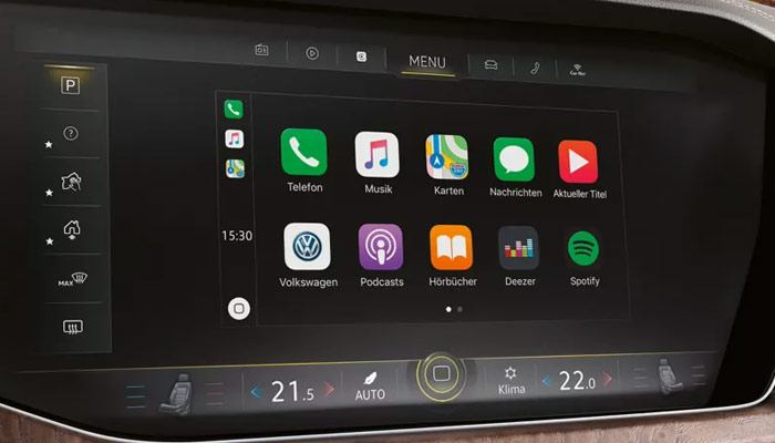 An app for everythingApp Connect lets you use your compatible apps on the new Touareg's large touchscreen, and your passengers can control it, too. Customise settings, discover highlights on your route and synch with your Apple and Android services.