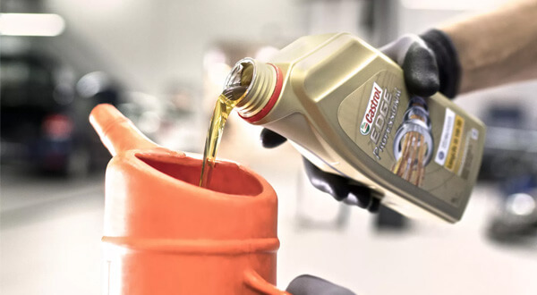 The Right OilVolkswagen work with Castrol to co-engineer engine oil to maximise performance and increase fuel economy of your Volkswagen. Your vehicle is designed to work at its optimum performance using Castrol EDGE Professional. Ask us about the exact grade for your VW on 04 381 3000.