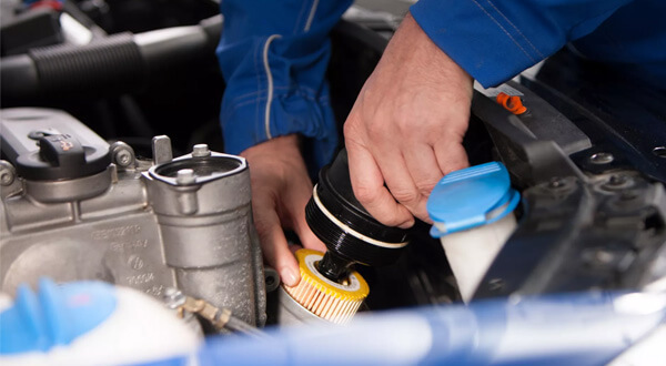 keep your Engine CleanExceptionally durable and made from a fine grade, high quality material it gives your engine optimum protection, minimising engine wear for the entire interval between services, prolonging your engine's life and protecting your Volkswagen's resale value.