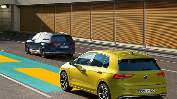 Meet your new bodyguardThe all-new Golf puts new technology on the road with the push of a button. Travel Assist provides driving comfort* of the highest quality by supporting you in monotonous or tiring driving situations. Especially on the motorway and on well-maintained roads, your new Golf can help keep you in-lane, maintain your speed and even monitor the distance from the traffic in front.  *Within the limits of the system. The driver must be ready at all times to override the assist system and is not relieved of his responsibility to drive the car carefully.
